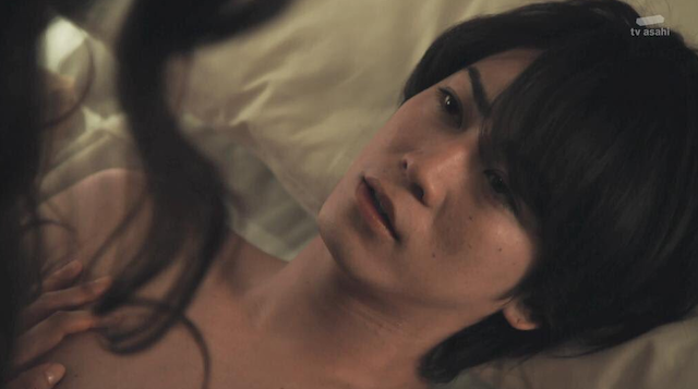 亀梨和也×深田恭子の動画、キスシーンにドキドキ.png